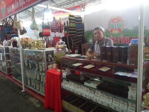 hoi-nong-dan-tinh-dak-lak-tham-du-festival-san-pham-nong-nghiep-tai-ba-ria-vung-tau-2016-72